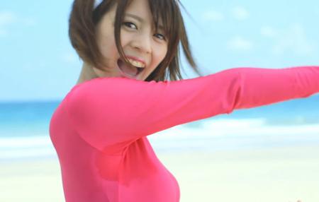 吉崎綾が脇汗のついたレオタードを着て踊っている画像