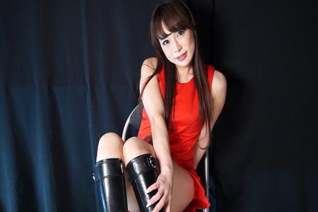 高瀬杏がフェチ動画に出演している画像