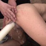 媚薬浣腸で汗が滲み、肛門から白い液体を大量噴出する女たち